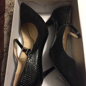 Shoes - Black heels with gold buckles size US 11